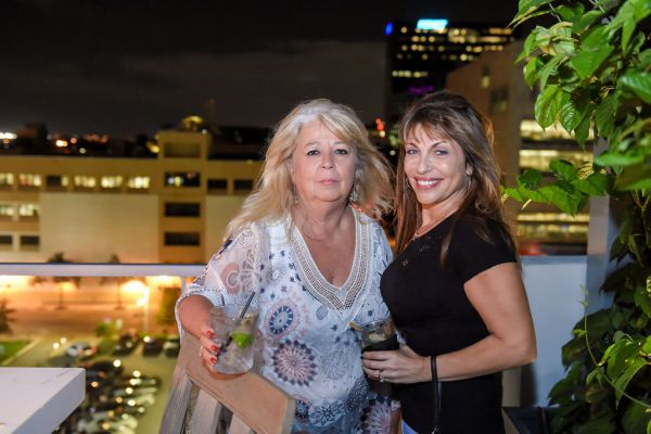 corporate-pictures-photography-rooftop-fort_lauderdale11434DFAF79-6C97-2FE0-7C2C-F5B2C776D856.jpg