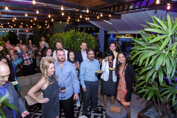 corporate-pictures-photography-rooftop-fort_lauderdale162FB4F0C9A-FBE1-92F8-7394-3BFD2E6CBC58.jpg
