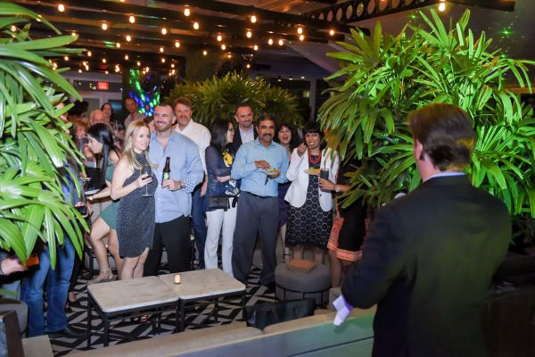 corporate-pictures-photography-rooftop-fort_lauderdale16303DEE9ED-F7ED-34BF-775D-3164BC857CE3.jpg