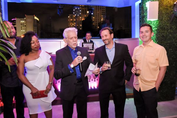 corporate-pictures-photography-rooftop-fort_lauderdale18785373D87-D0DB-5C9D-60AD-A47DACC19034.jpg