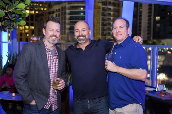corporate-pictures-photography-rooftop-fort_lauderdale2112C60A9CA-2A1C-005C-1BA4-66CFA8598070.jpg
